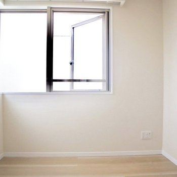 【3F】2Fの洋室とほぼ同じ構造です。