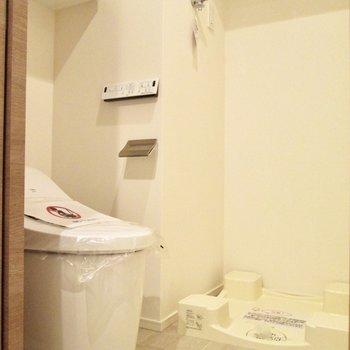 トイレと洗濯機置き場はセットです。