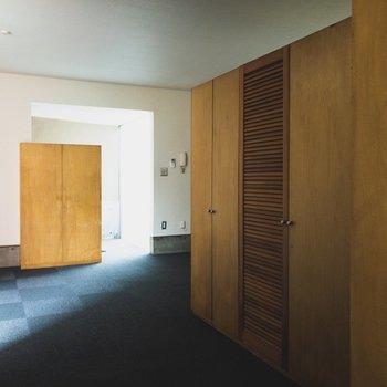 【LDK】洋室から見たお部屋です