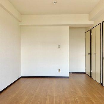 【洋室】写真右側は・・・