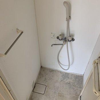 お部屋のなかにあるシャワー!