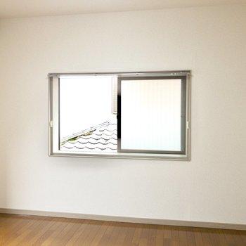 【リビング】窓の側にはテレビを置こうか