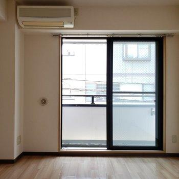 落ち着く雰囲気のお部屋です※写真は2階の反転間取り別部屋のものです