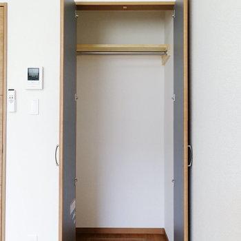 収納はちょうど一人分ですね。※写真は1階の同間取り別部屋のものです