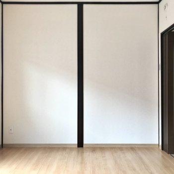 洋室3部屋ともテレビが置けますよ!