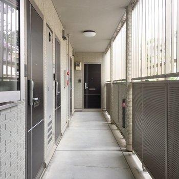 お家の廊下はこんな感じです!