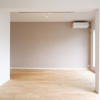 【イメージ】全面無垢床のリビングは圧巻ですよ…!