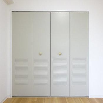 クローゼットの扉がレトロでかわいい、、(※写真は別部屋、前回募集時のものです。)