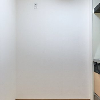 【LDK】キッチン前にはゆったりスペース。