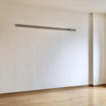 【洋室②】こっちの洋室にもフックがありました。