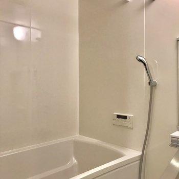 しかも、浴室乾燥付き※写真は1階の同間取り別部屋のものです