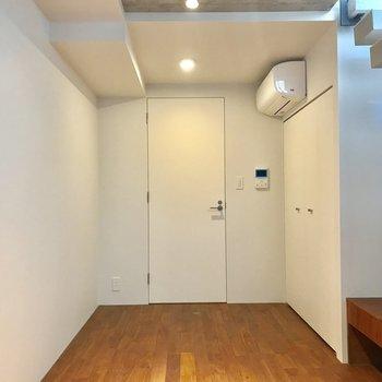 地下があるって隠れ家みたいで憧れる※写真は1階の同間取り別部屋のものです