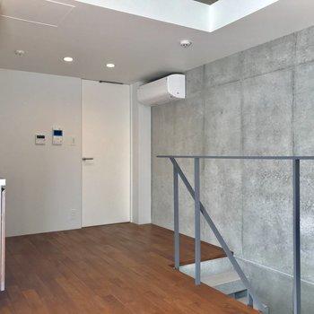 ちょっと背伸びした大人っぽい家具が似合いそう※写真は1階の同間取り別部屋のものです