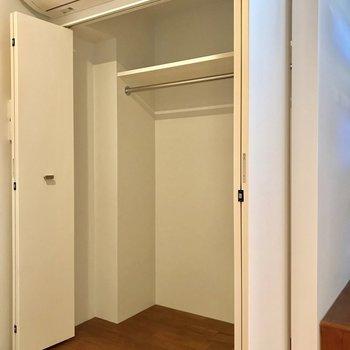 幅も高さもあり大容量※写真は1階の同間取り別部屋のものです
