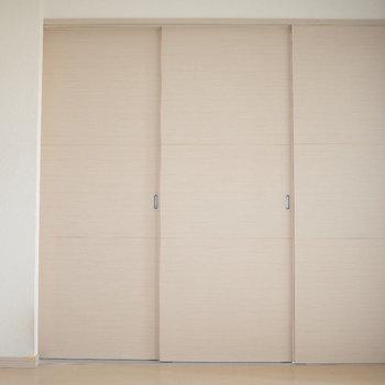 閉めたらこんな感じ。※写真は7階の同間取り別部屋のものです