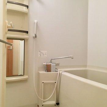 お風呂は浴室乾燥・追い焚き機能付き!
