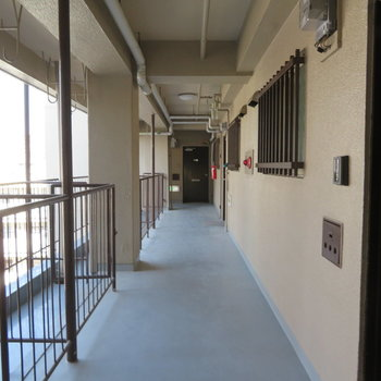 共有廊下はこうなってます