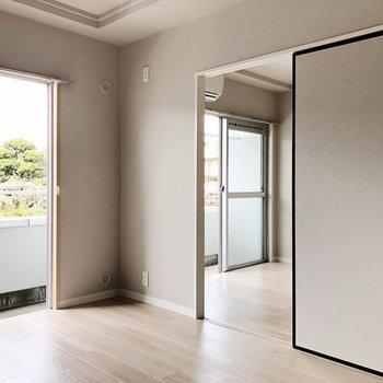 和風の引き戸と景色がマッチ※写真は3階の同間取り別部屋のものです