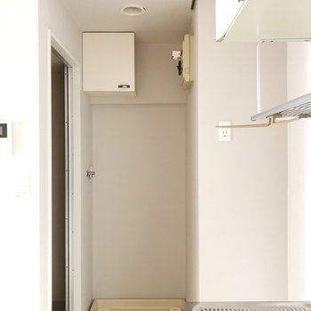 カーテンレールが付いているので簡易的な脱衣所にもなります!※写真は3階の同間取り別部屋のものです