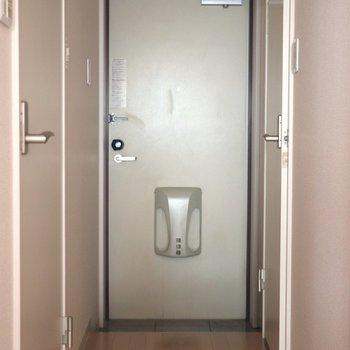 がっしりした玄関