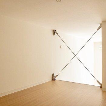 【ロフト】身長176cmの僕が立って移動できる天井の高さ。