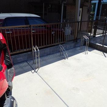 共用の駐輪場もあります。