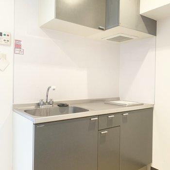 しっかりしたキッチンです。※写真は4階同間取り別部屋のものです