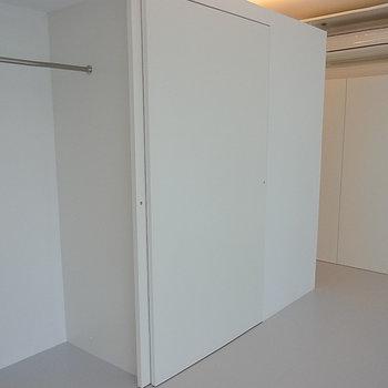 収納はここ※写真は1階の同間取り別部屋のものです