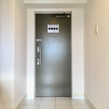 玄関もゆったりサイズ。ペットの脚も玄関先で拭けますね。