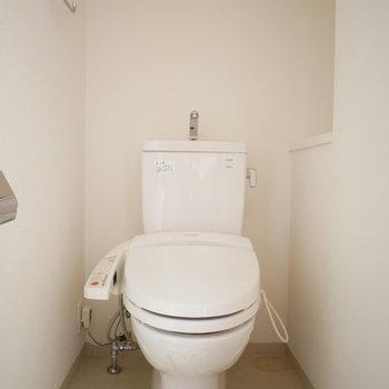 トイレはウォシュレット付き。※写真は別部屋