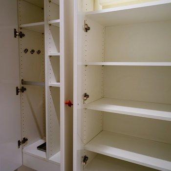 下駄箱はなかなかの容量♪※写真と文章は5階の反転間取り別部屋のものです