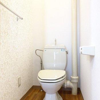 トイレはシャープな形