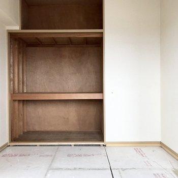 畳は張り替えられます、ってことは新品!わーい!(※写真は8階の同間取り別部屋、一部改装中のものです)