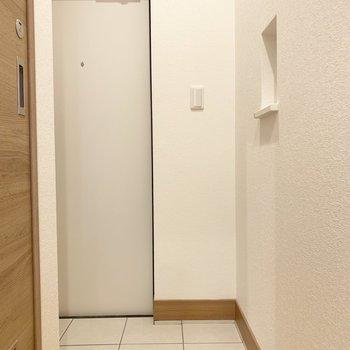玄関はちょうどいい広さです。