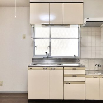 【DK】キッチンの収納もたっぷり