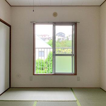【和室6帖】小窓からの風が心地よさを作ります。