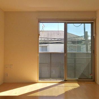 【LDK】壁や床は無難なデザインで、アレンジも利きやすいです。