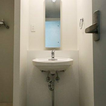 洗面台もシンプル!シンプルづくし!