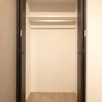 【洋室7.4帖】ドアの開閉を考えたインテリアの配置をしましょう※写真は前回募集時のものです