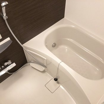 お風呂は追焚もできます。※写真は前回募集時のものです