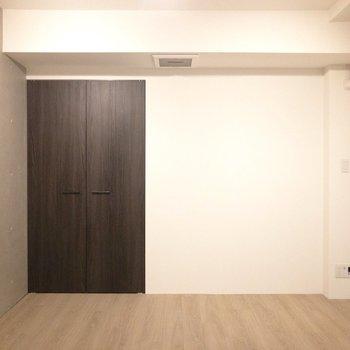 【洋室7.4帖】セミダブルベッドが置けそうな寝室※写真は前回募集時のものです
