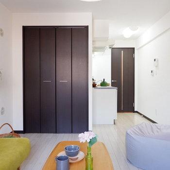 お部屋の収納は?※写真は2階の同間取りの別部屋のものです ※家具はサンプルとなります