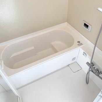 湯船もゆったりのお風呂