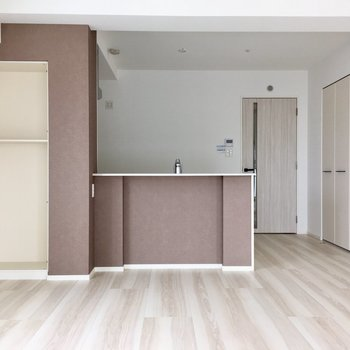 こちらは15.0帖のLDK。床暖房も標準装備!(※写真は5階の同間取り別部屋、工事中のものです)