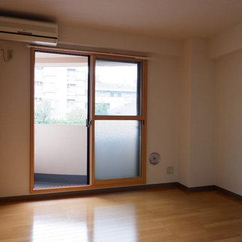 日当たりの良いお部屋です◎※写真は4階反転似た間取りの別部屋のものです