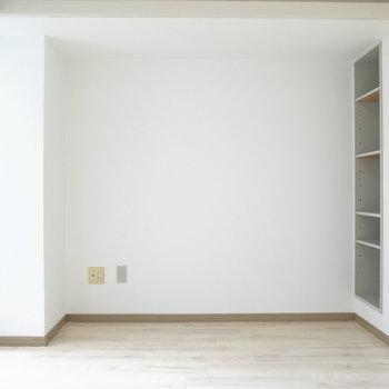 ひとり暮らし向けのシンプルなお部屋。