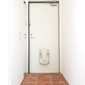 ひろーい玄関は開放的!(※写真は通電前のものです。)