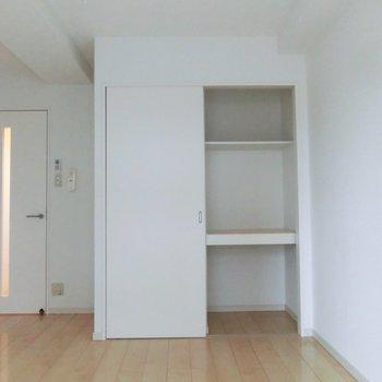 使いやすい棚タイプクローゼット※写真は3階の同間取り別部屋のものです