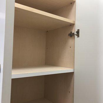 シューズボックスは1段1段のスペースが広めです。※写真は3階の反転間取り別部屋のものです