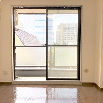 レイアウトのしやすいシンプルなお部屋です。※写真は3階の反転間取り別部屋のものです
